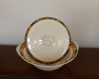 Ivory China Covered Dish --English  --Item Number C02652 [L24]
