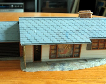 Vintage 1960s HO Scale ranch house made in Germany