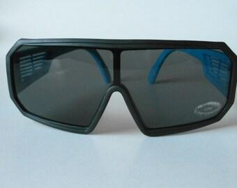 Vintage Matt Black & Blue Sports Shield Sunglasses