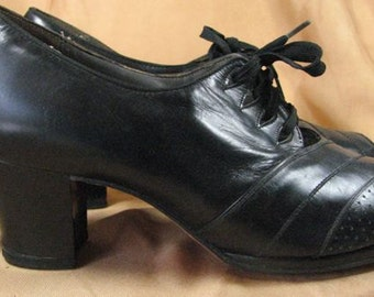 1930s Black Leather Peep Toe Oxfords...... Red Cross Shoes......... size 6 1/2 to 7