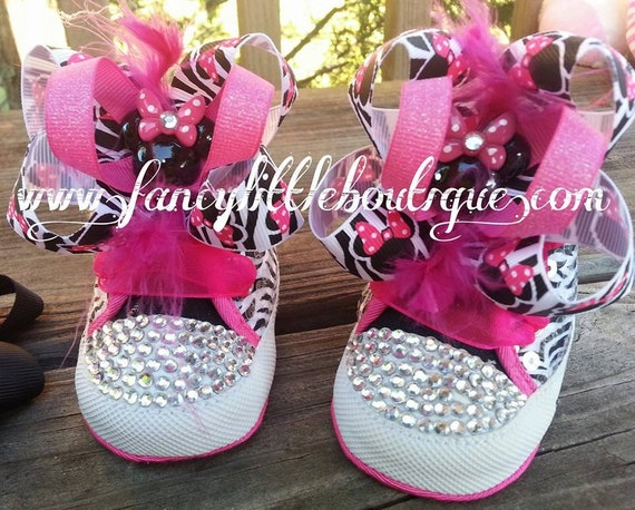 minnie mouse sparkling tennis shoes for baby girl