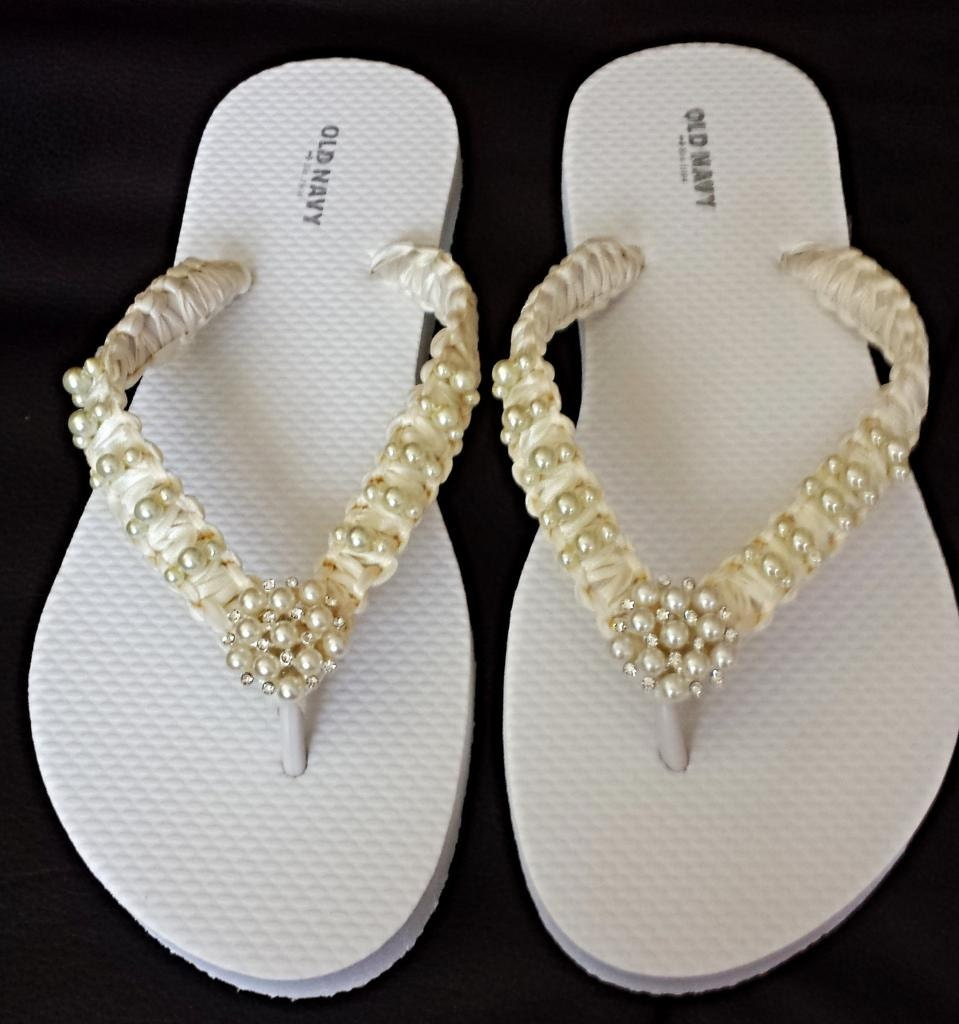 ivory wedding beach flip flops pearls flip flops bride