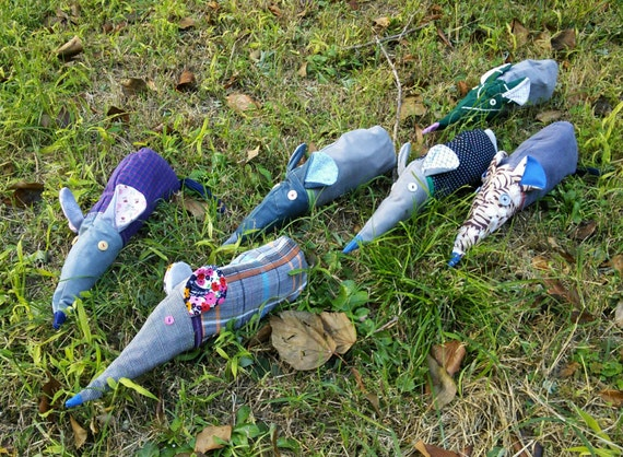 https://www.etsy.com/it/listing/204957225/astucciotopo-in-tessuto-riciclato?ref=shop_home_active_1