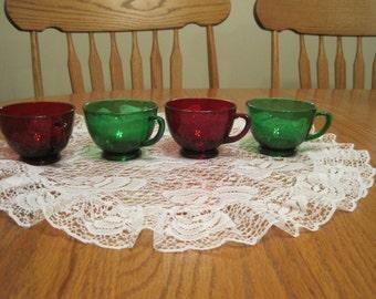 Set Of Four Vintage Festive Eggnog Cups 1950,s