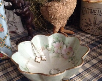 Shabby Chic hand painted gold trim scallop bowl