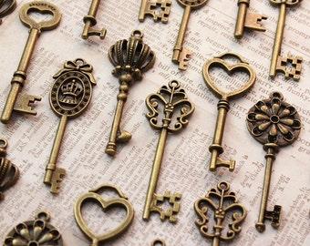 60 Vintage Style Keys Collection Antique Brass Wedding Key scrapbooking Wonderland party