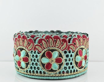 Lace Trim, Embroidered Lace Trim, Border, Indian Style, Floral, Jacquard, Paisley, Mint Green, Red, Gold Thread - 1 meter