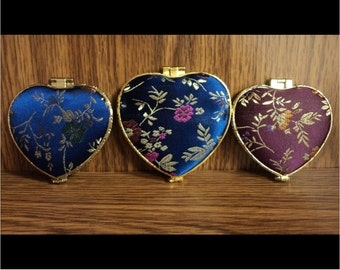 Chinese Mirror Compacts: Heart shaped (Items 1-3)