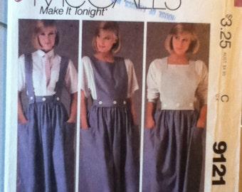 """McCalls Skirt, Straps & Skirt Pattern 9121 Size: 6, Bust 30"""", Waist 23"""", Hip 32"""""""