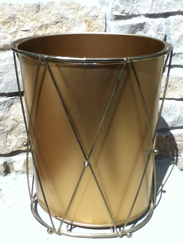 Vintage gold metal waste basket hollywood regency atomic deco for Gold bathroom wastebasket