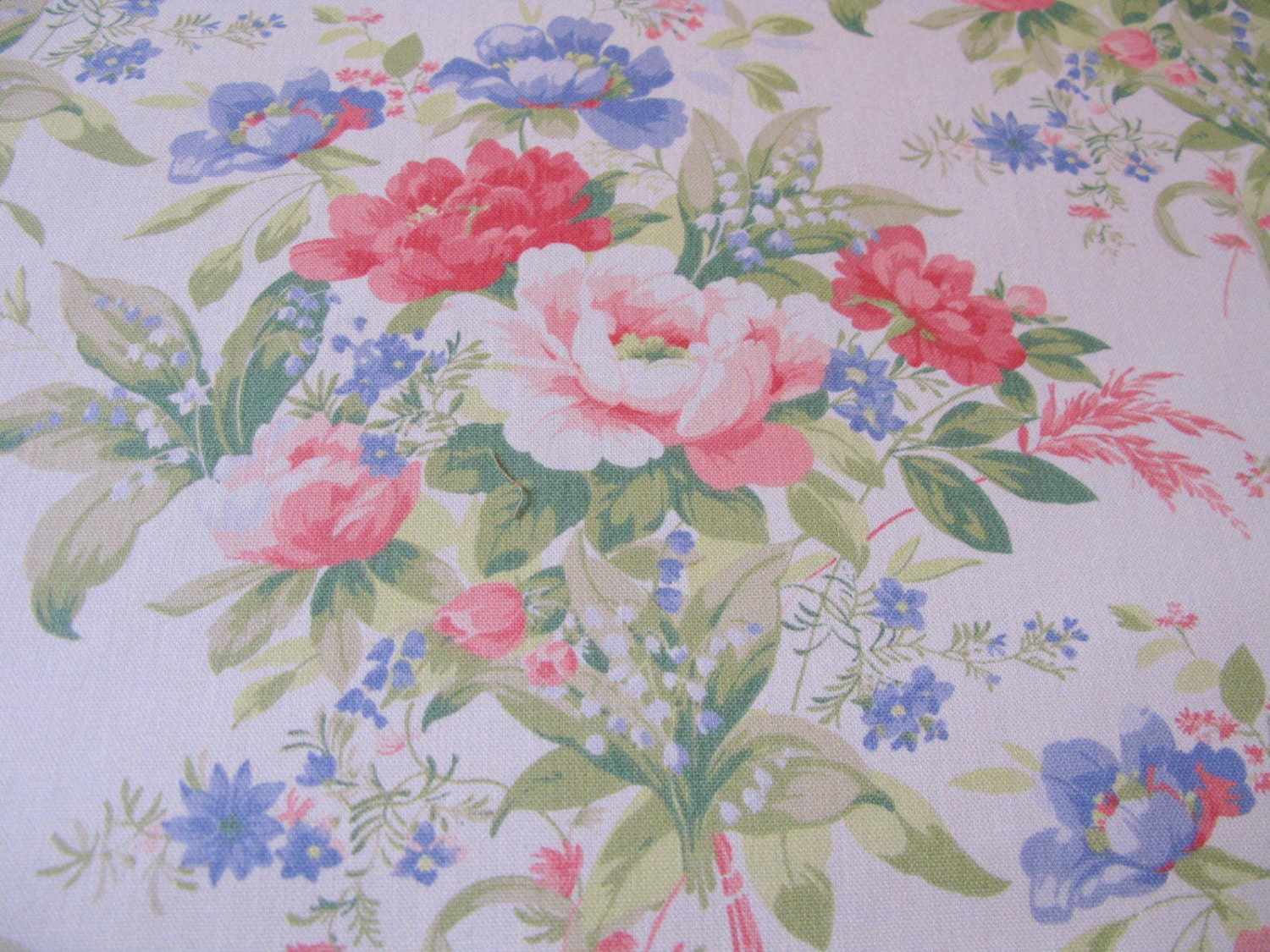 Shabby chic fabric 1 yard floral upholstery 56 wide for Shabby chic yard