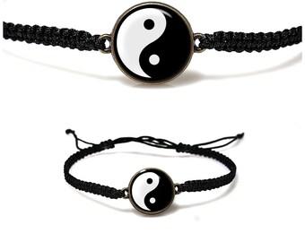 Yin Yang Bracelet Yin Yang Jewelry Delicate Yin Yang Macrame Bracelet Black and White Chinese Yin Yang Custom Bracelet Harmony Bracelet