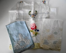Vintage 50's  Beautiful Set of 4  Linens Table Cover/ Handkerchief/Small Towel