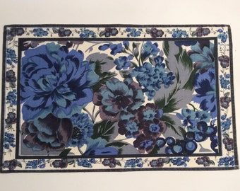 60s Vintage set of 4 table mats and tablecloths. Blue floral pattern. Great condition. Made in Sweden.