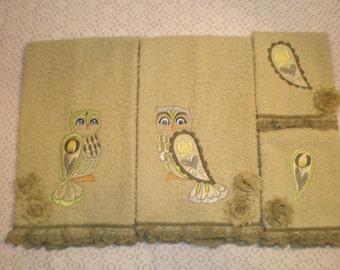 4 Piece Victorian Owls  Kitchen/Bath Towel Set- Multi Color Greens & Yellow