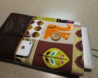 Laptop bag in fun woodsy print holds 11 inch laptop plus eReader, cell phone & stylus/pen