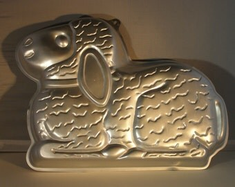 Wilton Loveable Easter Lamb Cake Pan (2105-2514) & Mini-Bunny Pan (2105-4426)