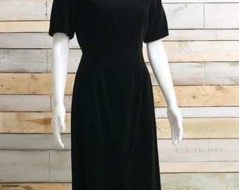 extremely simple elegant black velvet shift dress 8