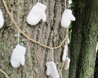 White mini mitten garland (choice of colour) / Christmas mitten garland / Mitten bunting / Mantle garland / FREE SHIPPING