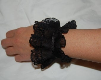 Black Or White Lace Cuffs