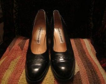Anne Klein II Womens heels Size 7N Made In  Italy