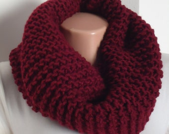 Mother's day gift Chunky knit snood in burgandy/ Knit scarf / knitted scarf/Burgandy scarf/ burgarndy knit snood / scarf/ cowl/
