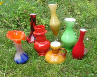 Convolute 7 pieces of studio glass. GLASS VASES. Flower vases. 50s / 60s. Height: 12 cm to 29 cm. Mid Century. VINTAGE