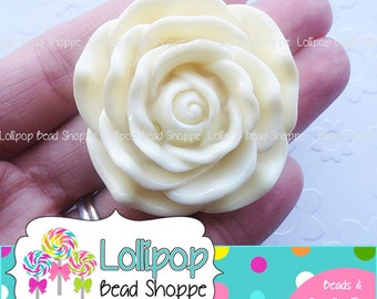 IVORY Jumbo ROSE Beads 45mm Chunky Necklace Beads Resin Flower Beads Large Cream Rose Beads Plastic Bubble Gum Beads Bubblegum Beads