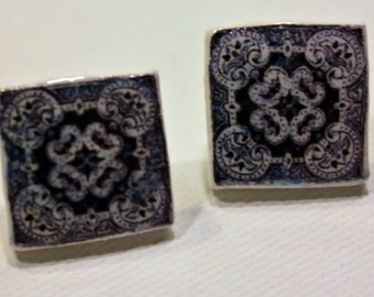 Beautiful earrings, with Portuguese tile replica, white and black.