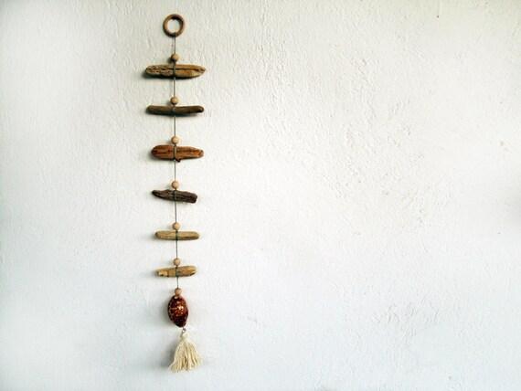 Bois flott mobile mur d coration avec perles coquillage - Mobile en bois flotte ...