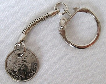 2013 British Five Pence Coin Keyring Key Chain Fob Queen Elizabeth II