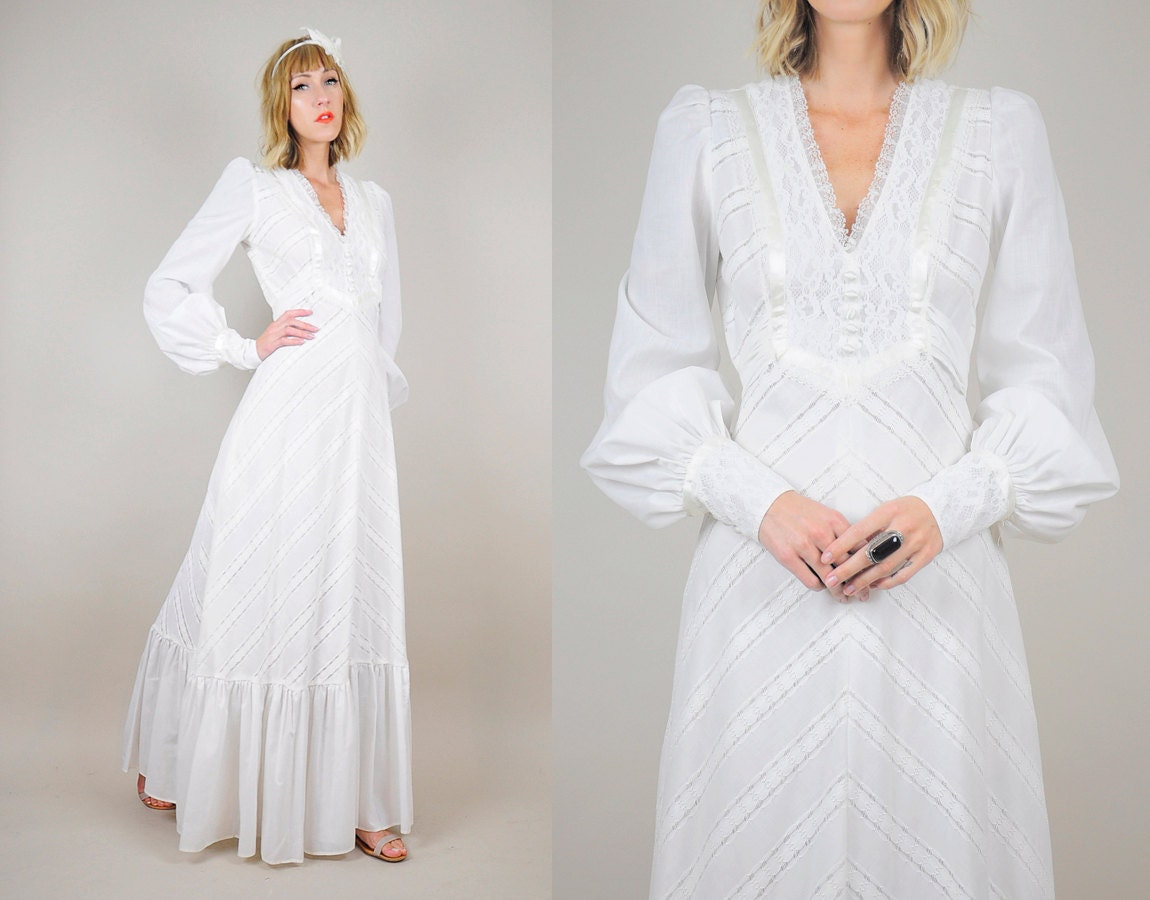 ON SALE 70's Chevron Lace Boho Wedding Dress