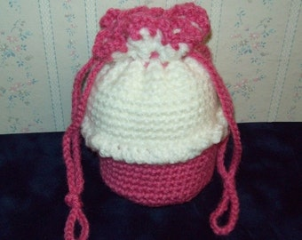 ON SALE!  Crochet Cupcake Purse with Drawstrings for Little Girls, Raspberry Pink and White