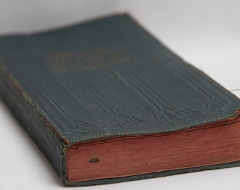 HILL'S French -English and English-French Pocket  DICTIONARY