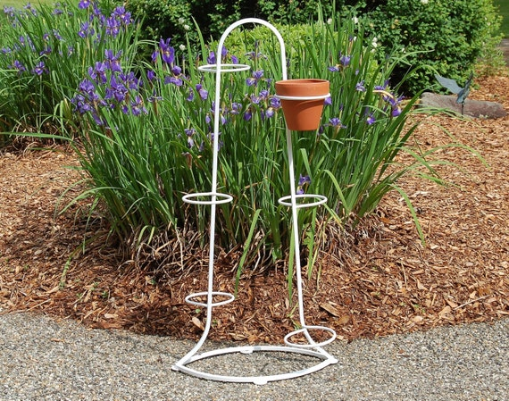 Vintage Art Deco Iron Plant Stand With Rings For 6 Pots White