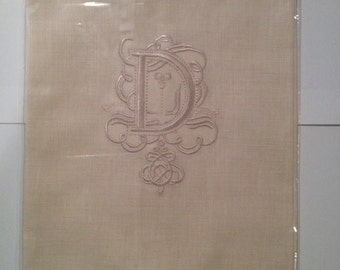 """Embroidered """"D"""" Monogram Guest Towels with  Galucci Border"""