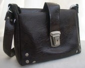 Vintage dark brown shoulder bag