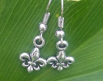 Plated Silver Fleur de lis Earrings