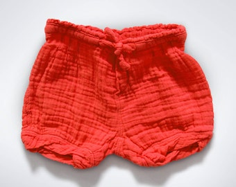 Muslin cotton shorts in Red