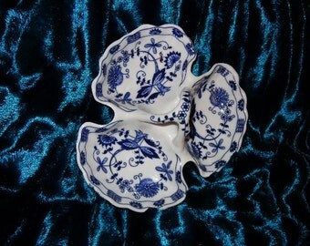 VIENNA WOODS Vintage China Blue and White 3 Section Dish