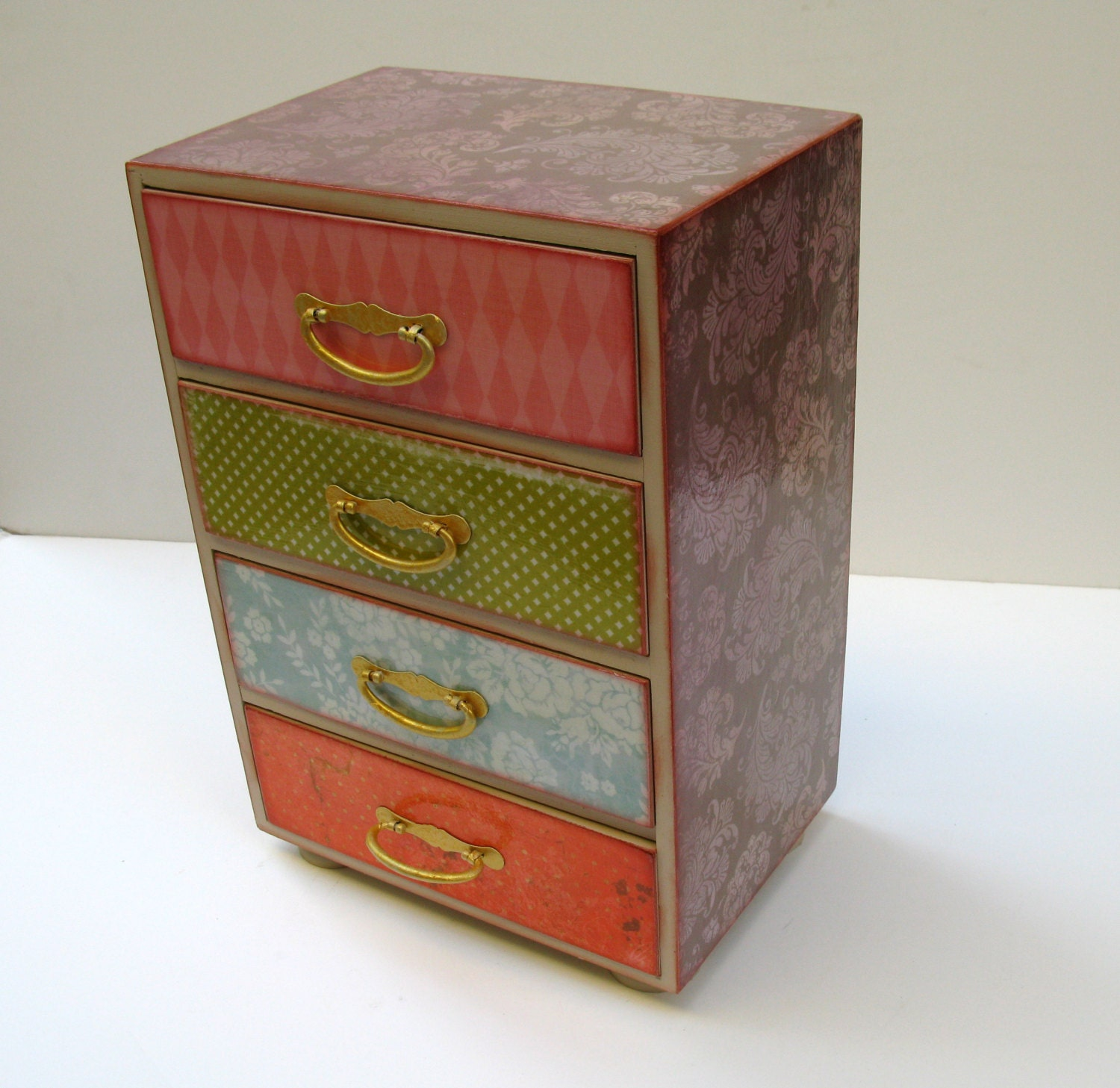 pastel damask four drawer chest of drawers jewelry box trinket. Black Bedroom Furniture Sets. Home Design Ideas