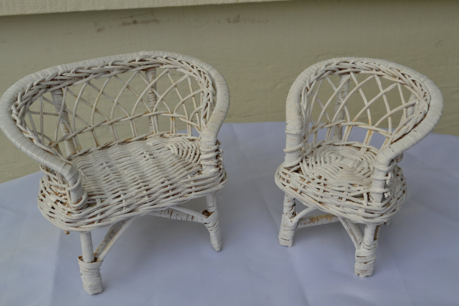 hand painted shabby chic whicker doll furniture