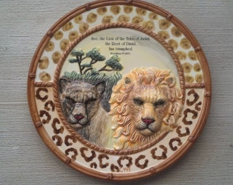 Collectible decorative plates from the Out of Africa collection by Christian World, Inc.