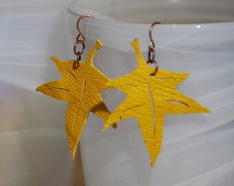 Maple leaf Recycled leather Earrings