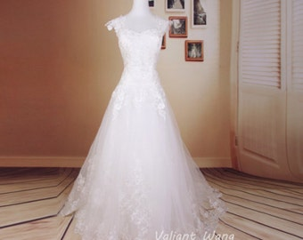 Vintage Ivory Lace Sweetheart Wedding Dress Backless Wedding Gown With Train