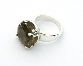 Unique Angeline Quinn Sterling Silver Fleur De Lis Claw Round Smoky Quartz Ring