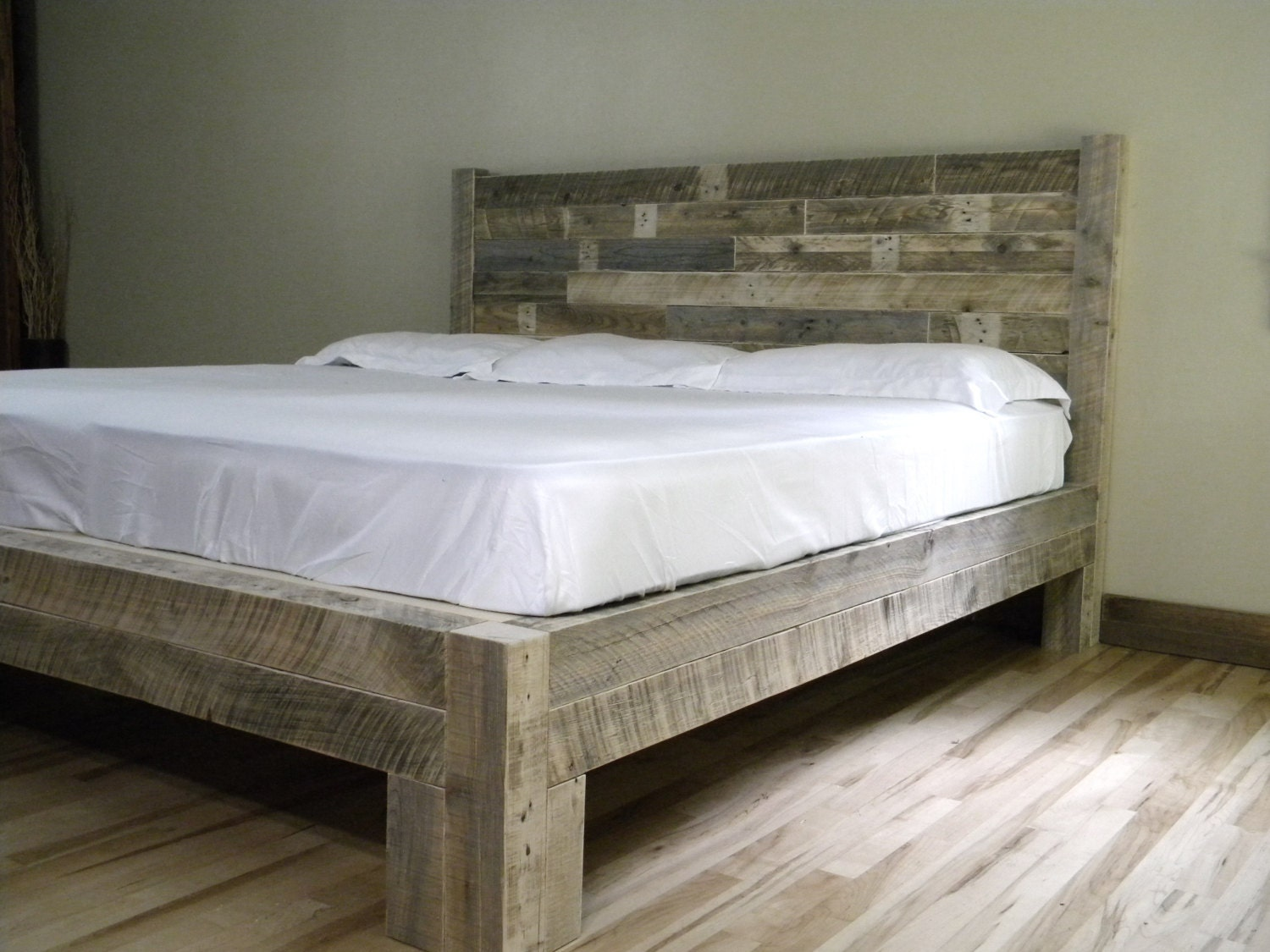 Platform Bed Platform Frame Reclaimed Wood by JNMRusticDesigns