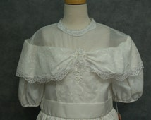 Stunning Vintage Traditional First Holy Communion Dress White, Girls Size 8 PLUS SIZE, Victorian, Off Shoulder Puff Sleeve, T Length