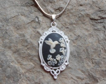 Stunning Hummingbird Cameo Pendant Necklace (on black)--- Great Quality--- Unique Piece