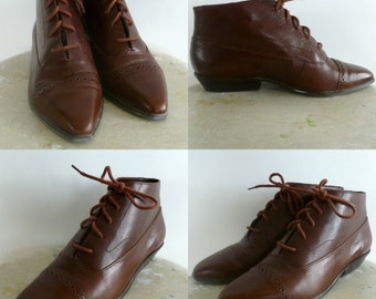 Beautiful Vintage Reddish  Brown Leather Lace Up Ankle Boots Mint Condition 6 1/2 M Women's